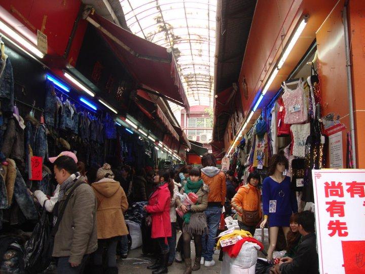 Thời trang Quảng Châu: tràn ngập thị trường thời trang Việt Nam