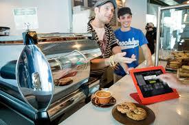 Những phần cứng tiện lợi nên có của café take away