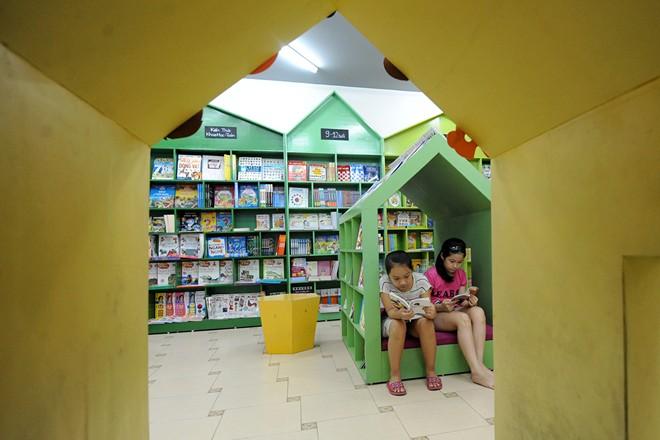the book square 4