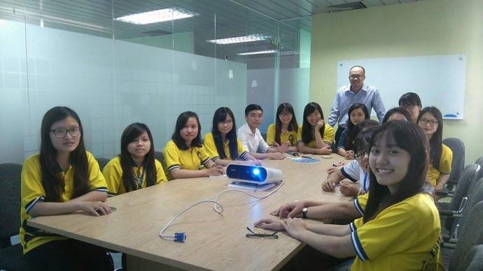 Sinh viên Đại học Tài Chính - Marketing trải nghiệm thực tế với phần mềm quản lý bán hàng KiotViet