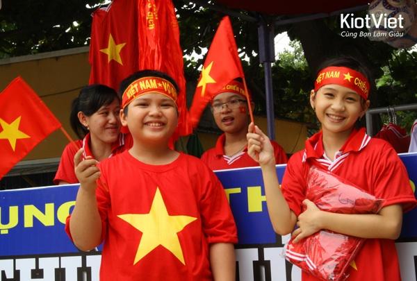 vietflag-nha-san-xuat-la-co-hang-dau-viet-nam-2