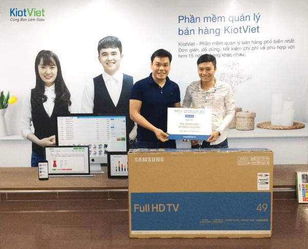 kiotviet-trao-giai-gioi-thieu-khach-hang-nam-2016-2