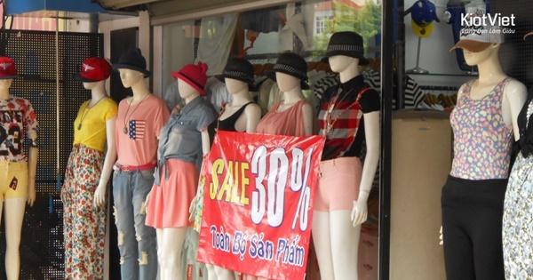 04-meo-tang-doanh-thu-cho-cua-hang-thoi-trang-dip-giao-mua 1