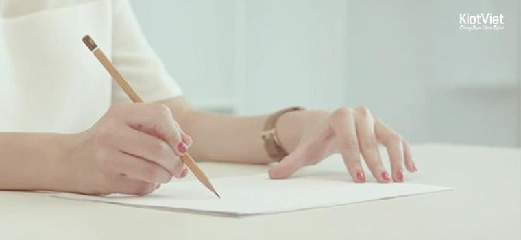 Bật mí mẹo viết đơn xin việc quản lý nhà hàng gây ấn tượng