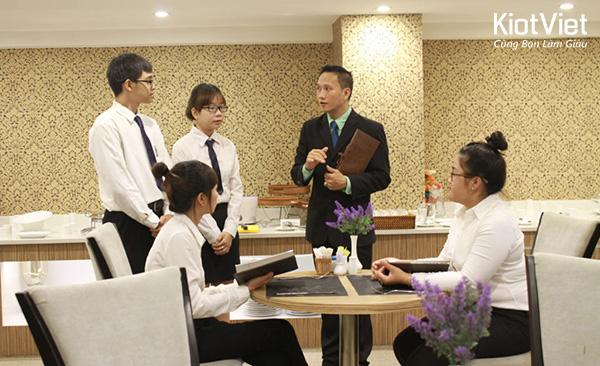 Công việc của người quản lý nhà hàng