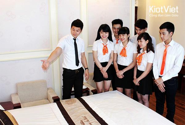Đào tạo quản trị khách sạn nhà hàng