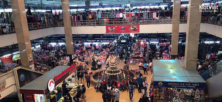 Chợ Đồng Xuân có nhiều tầng, khu vực bán quần áo nên rất dễ xẩy ra tệ nạn trộm cắp
