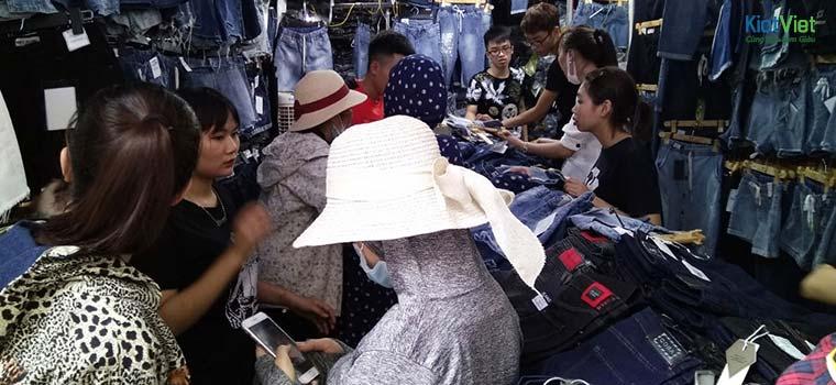 Bạn có thể mua hàng trực tiếp tại chợ Ninh Hiệp