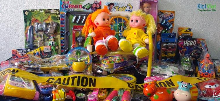 Đồ chơi trẻ em khá nhỏ, dễ vận chuyển bởi các đơn vị chuyển hàng