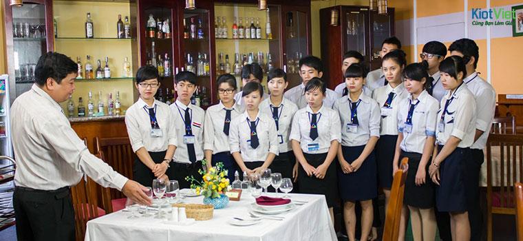 Giáo trình quản lý nhà hàng - Nội dung và ỨNG DỤNG thực tiễn