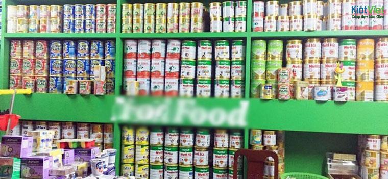 Tiền từ trưng bày các thương hiệu sữa cũng khá lớn trong nguồn thu của cửa hàng