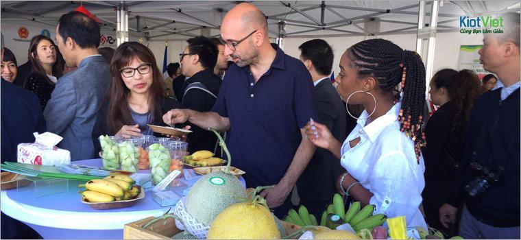 Giới thiệu nông sản Việt với bạn bè quốc tế