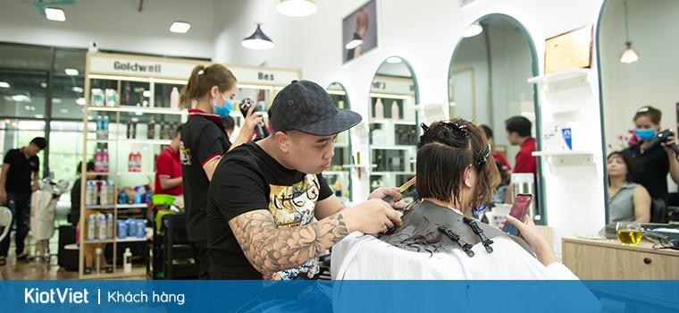 cô sinh viên 20 tuổi mở cửa hàng salon làm đẹp cho riêng mình